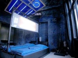 Love Hotel 28